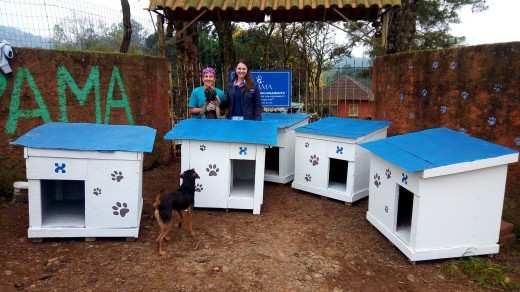 Doação das casinhas na Apama